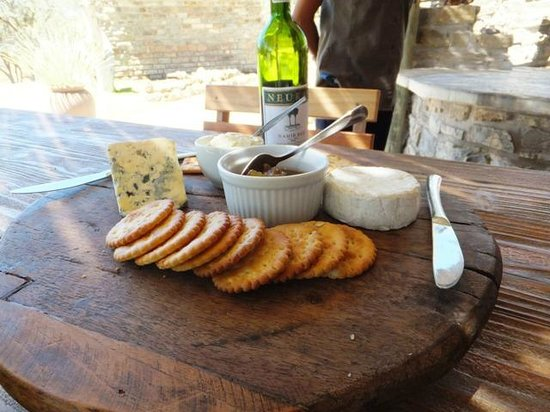 Neuras: N/a'an ku se Wine and Wildlife Estate: Cheese