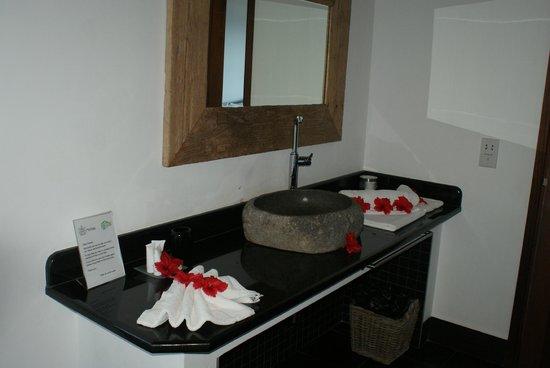 Villas de Jardin: salle de bains, déco journalière....