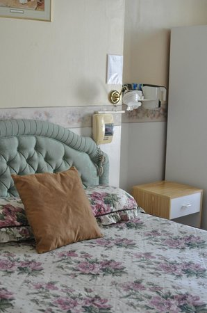 Albro House Hotel: Couple room at the 1st floor