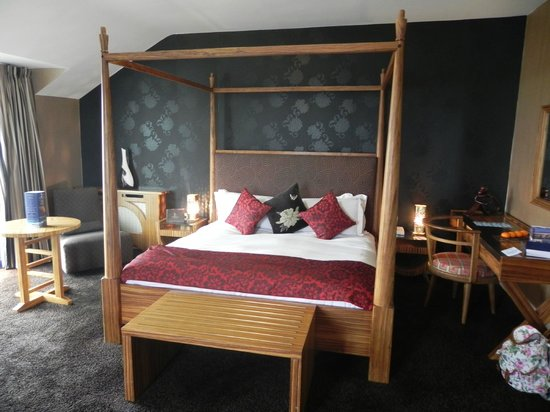 Inchydoney Island Lodge & Spa: Comfy bed