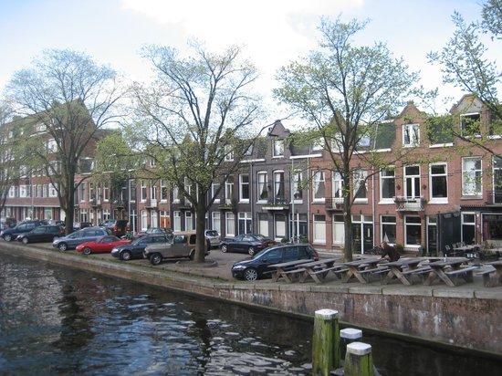 Bed and Breakfast Amsterdam: Great location