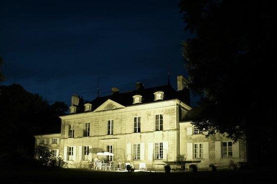 Le Petit Trianon et la terrasse du bar (licence III)