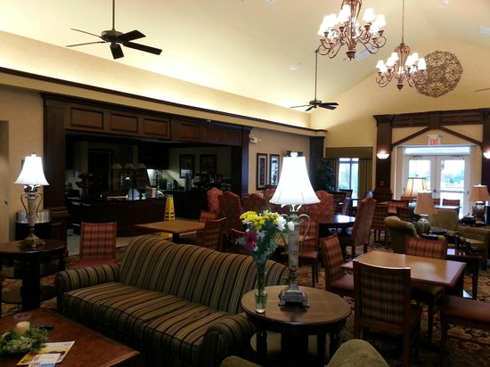 Homewood Suites Decatur-Forsyth: Lobby
