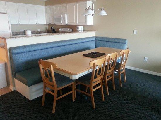 Wyndham Bay Club II : Dining Area