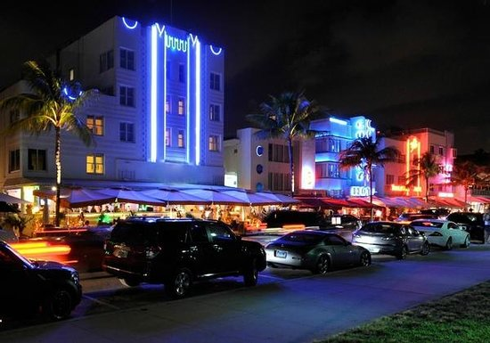 Avalon Hotel Ocean Drive Night Life