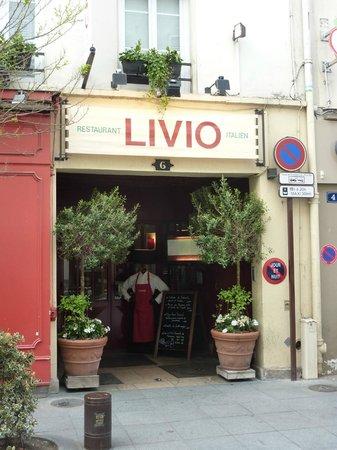 Neuilly-sur-Seine, Frankreich: Chez Livio entrance