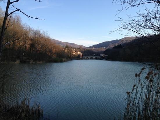 San Benedetto Val di Sambro, Italie : lago