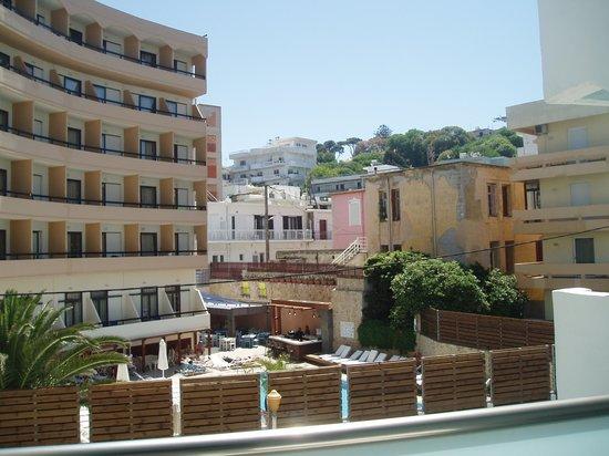 Hotel Rhodos Horizon Resort : uitzicht achterzijde hotel