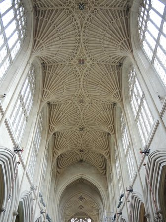 The English Bus: Beautiful Bath Abbey ceiling