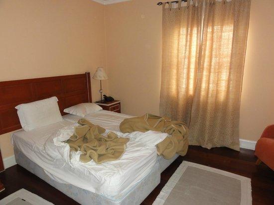 Residencial Mariazinha : La chambre de la suite