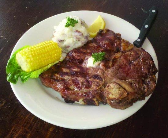 Vicki's on Tybee : Updated steak menu, including Porterhouse specials