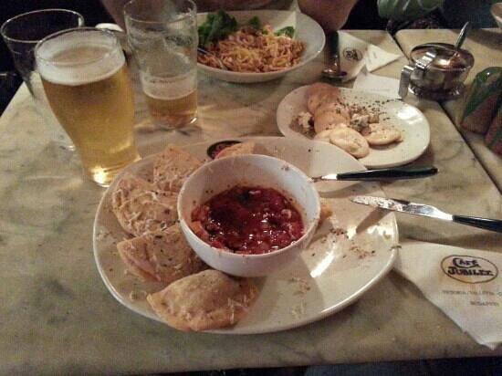 Cafe Jubilee Valletta: под бокал холодного пива