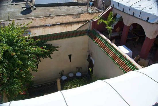 Riad Eden: Looking down into the inn from rooftop