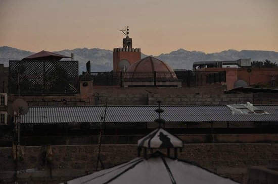 Riad Eden: Evening view from rooftop, looking towards Atlas