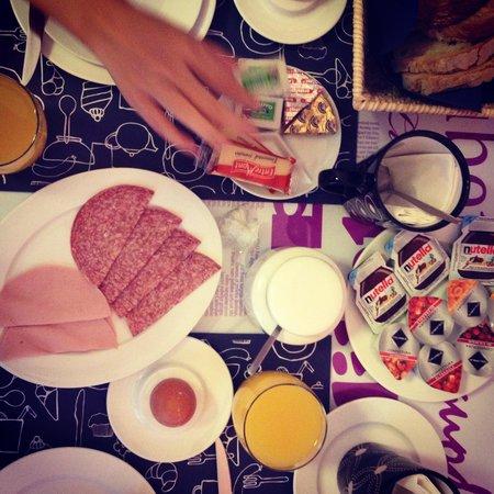 QuodLibet: Sumptuous breakfast
