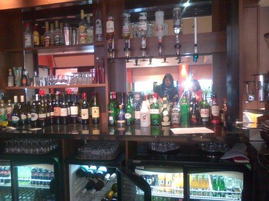 Ambitions Training Restaurant: Bar