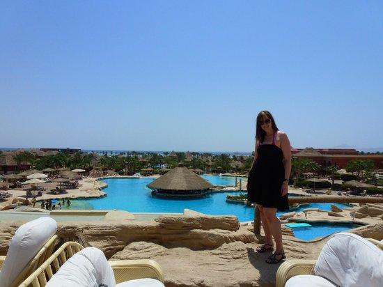 Laguna Vista Beach Resort: over looking the pool