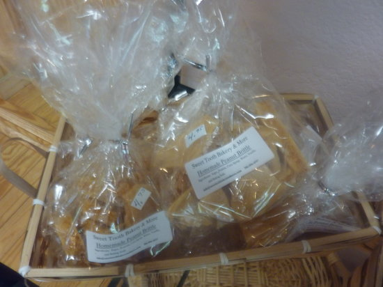 Sweet Tooth Bakery & More: Toffee and Brittles made right here!