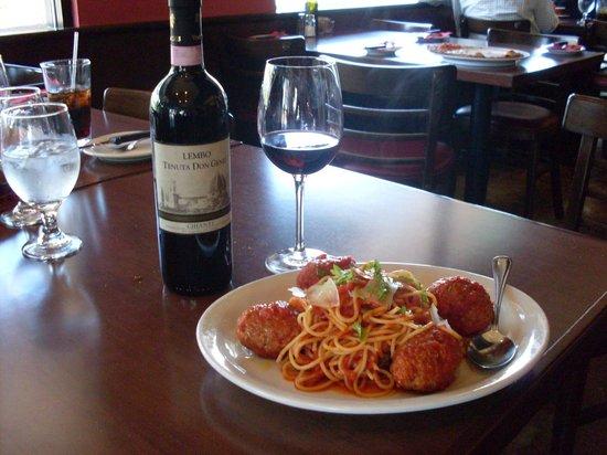 Pizzeria Guido: Spaghetti Meatballs