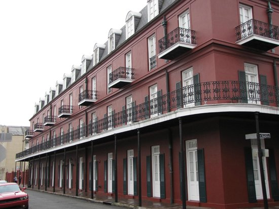 Le Richelieu in the French Quarter: Le Richelieu balconies