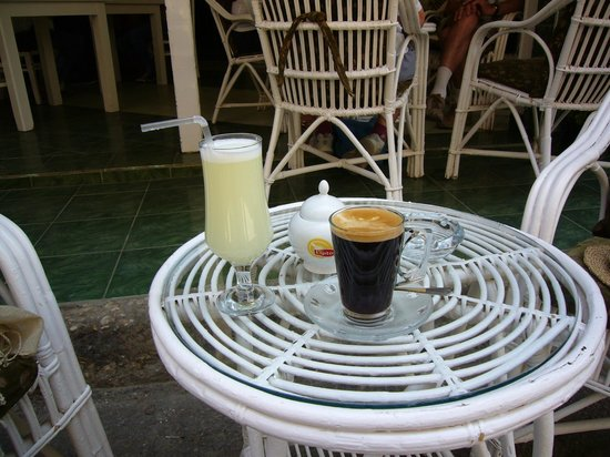 Secret Garden Cafe: Freshly pressed lemon juice and truly velvety rich dark coffee