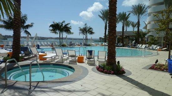 Hilton San Go Bayfront Pool