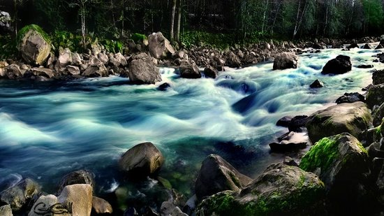 Outdoor Adventures Center - Day Tours: Boulder Drop in Motion, Skykomish River, WA
