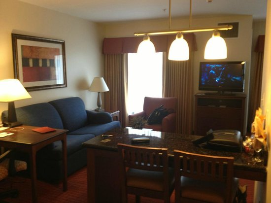Residence Inn Abilene: living area