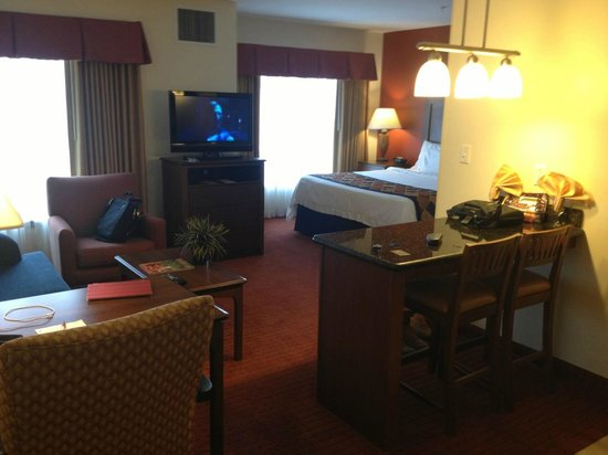 Residence Inn Abilene: living & bed view