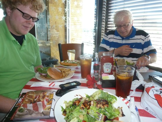 TGI Friday's: Lunch at Friday's Bethel Park