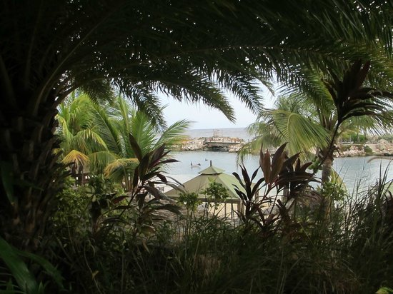 """Baoase Luxury Resort: view from the """"mawar mira"""" suite"""