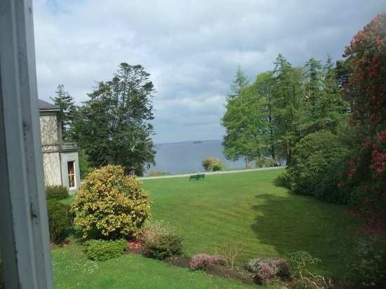 Currarevagh House : View on Lough Corrib from our room