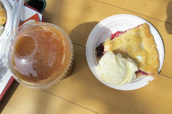 Davison Orchards Country Village : Apple juice slushie and crate berry pie: highly recommended!