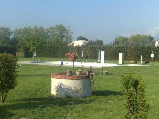 Casal Sant'elena: La piscina