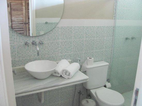 Hotel Don Quijote: Banheiro suíte luxo