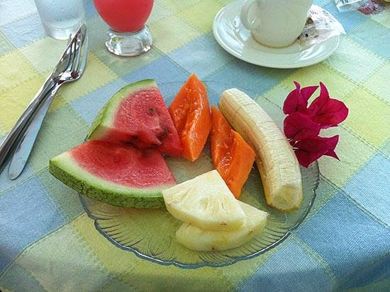 Polkerris Bed and Breakfast : Fresh fruit course with breakfast