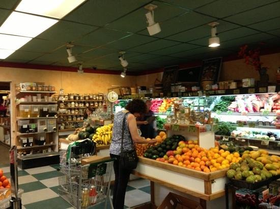 Berryvale Cafe: fruit and veg and bulk foods