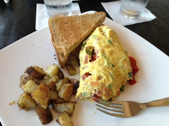 Marco's Grill & Deli : Breakfast Omlet with Wheat Toast and Potatos