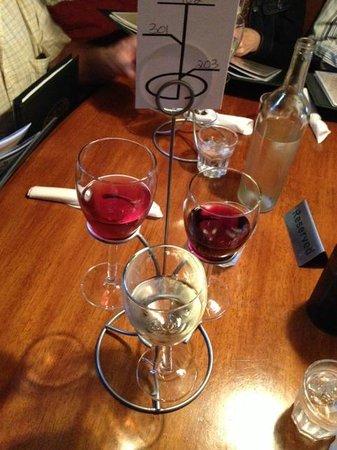 Ballou's Restaurant & Wine Bar: Wine Flight