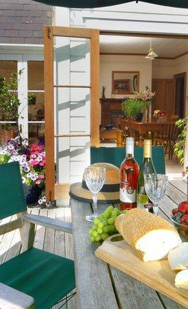 Cambria House: Sunny Deck