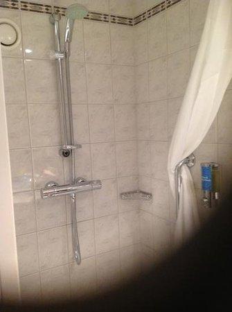Holiday Inn Express Milton Keynes: Add a caption