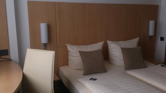 City Hotel Hamburg Mitte: Кровать