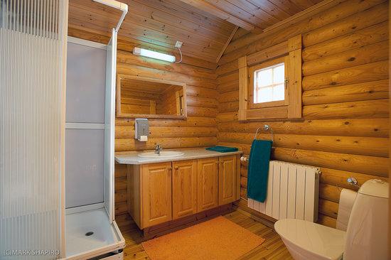 Frontier Cabin Bathroom