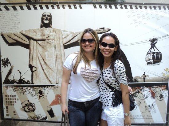 Che Lagarto Suites Copacabana Santa Clara: Adorei este fundo com o Cristo, tiramos várias fotinhos.
