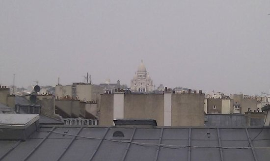 Pavillon Opera Bourse : View from my 6th floor room of Sacre Coeur (no zoom used)