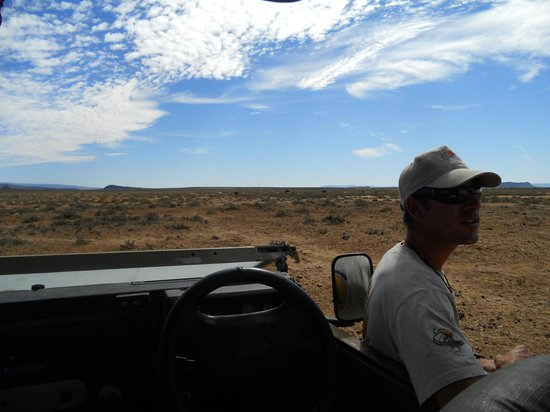 Inverdoorn Game Reserve Safaris: Eugene out guide