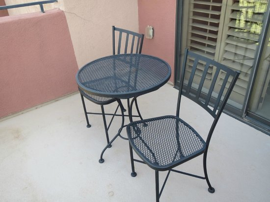 Las Posadas of Sedona : Balcony table & chairs