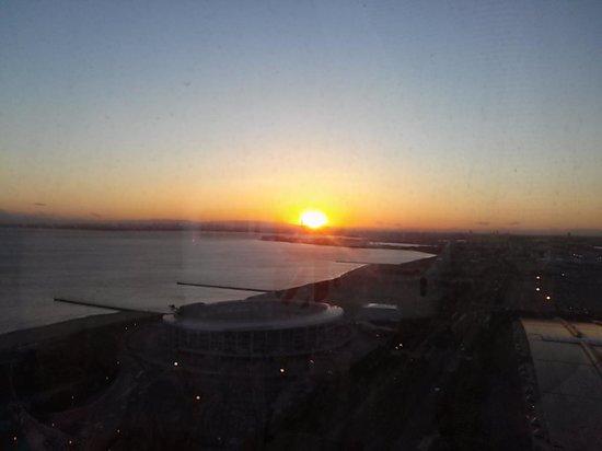 أبا هوتل آند ريزورت طوكيو باي ماكوهاري: 夕日も綺麗です。