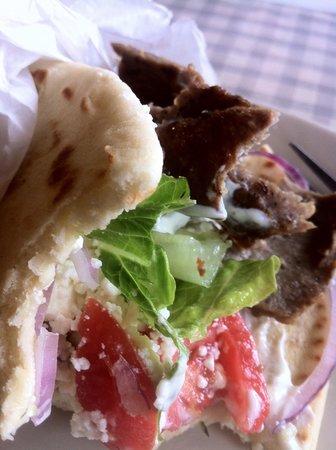 Alpha & Omega Greek Cuisine : Gryo