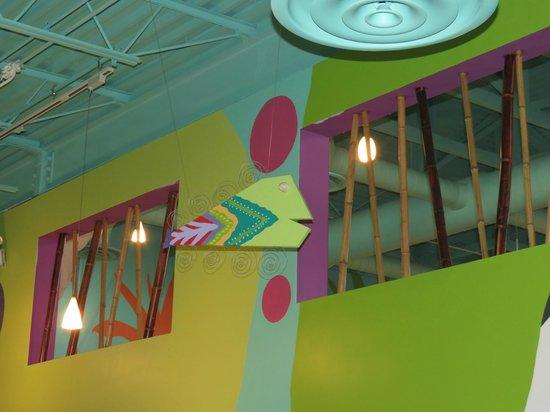 Flamingo Row: Interior Decor